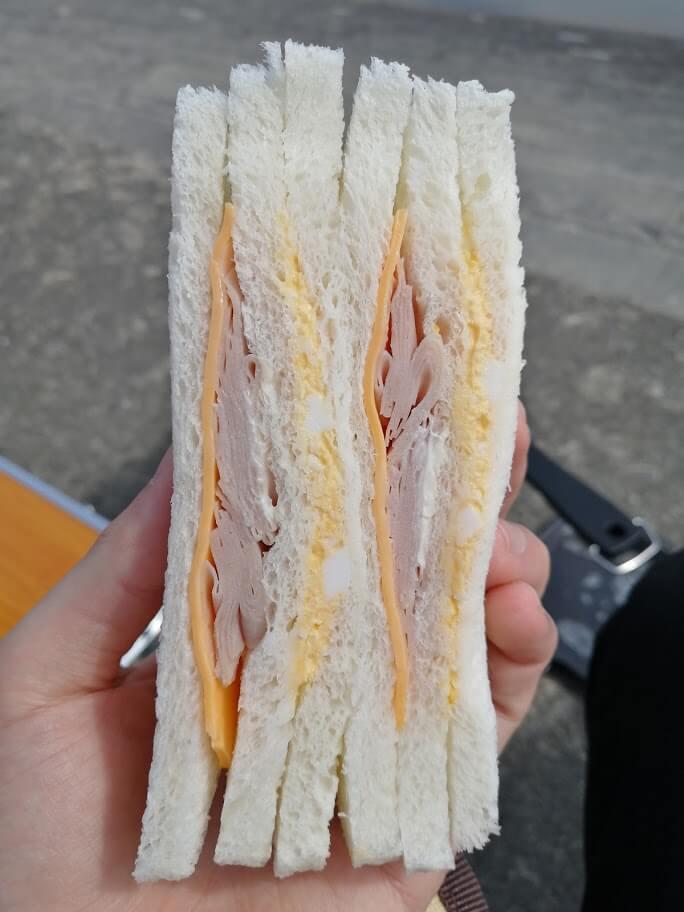 ファミリーマート「ハムチーズたまごサンド」